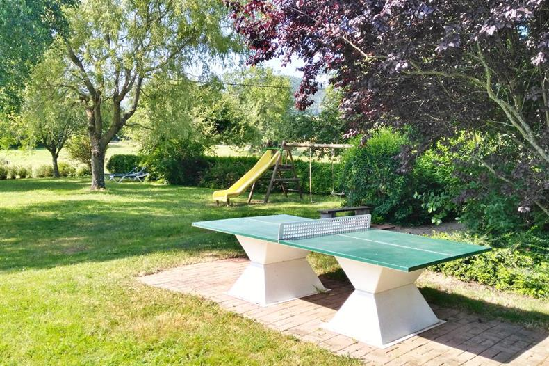Aire de jeu - Table de ping-pong