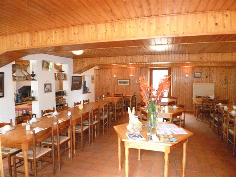 apps.tourisme-alsace.info/photos/kaysersberg/photos/4-chambre-d-hotes-orbey-batot-ferme-du-busset-salle-petit-dejeuner.jpg