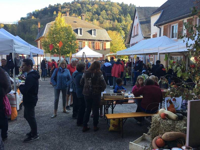 apps.tourisme-alsace.info/photos/kaysersberg/photos/Marche_Jardin_Automne_Orbey_6.jpg