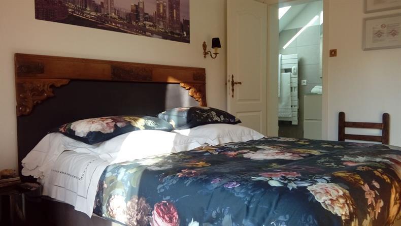 apps.tourisme-alsace.info/photos/kaysersberg/photos/chambres-kaysersberg-vignoble-donatti-sao-paulo-vue-salle-de-bain.JPG