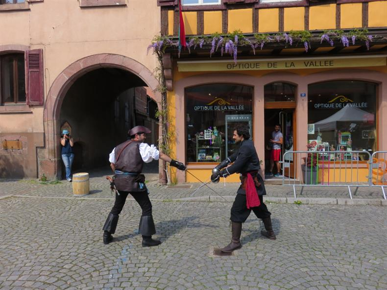 apps.tourisme-alsace.info/photos/kaysersberg/photos/festival-jeu-de-role5.JPG