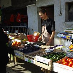 Le marché bio de Manspach - © crédit photo : www.manspach.fr