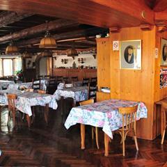 - © Restaurant au Cheval blanc  KIFFIS