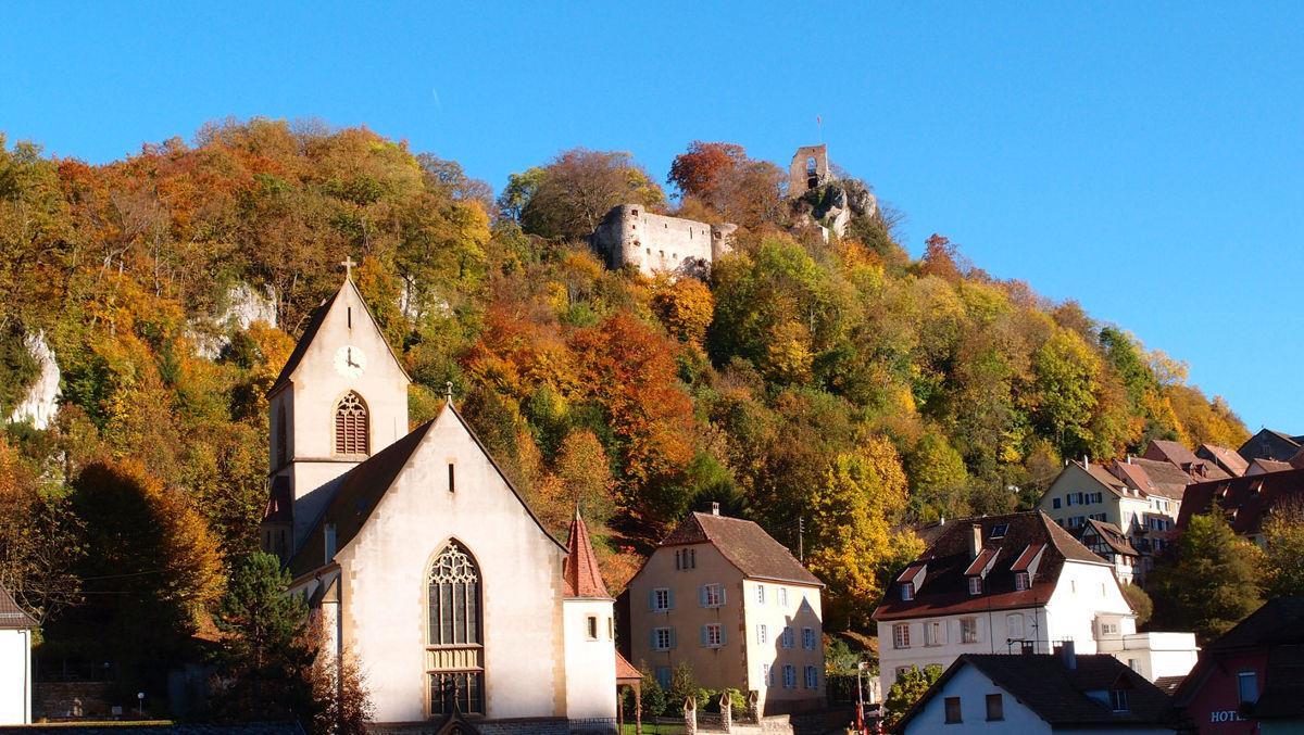 Randonnée pédestre: Ferrette Le château et la grotte des nains