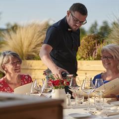 Déjeuner en terrasse - © Restaurant la Couronne  TAGSDORF