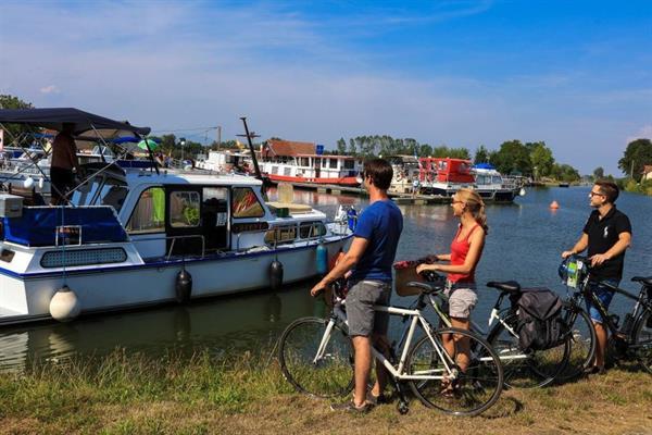 Vélo le long du canal du Rhône au Rhin (1)