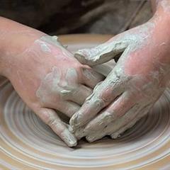 Atelier poterie avec Catherine Uhrweiller