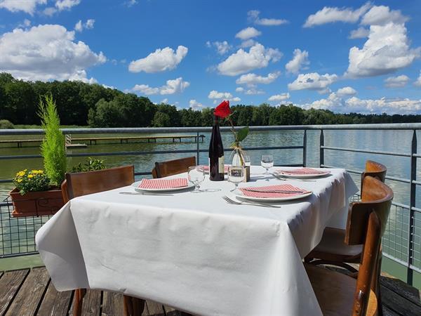 Restaurant Les 2 Barges - COURTAVON