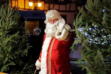 Weihnachtsdorf und Unterhaltung