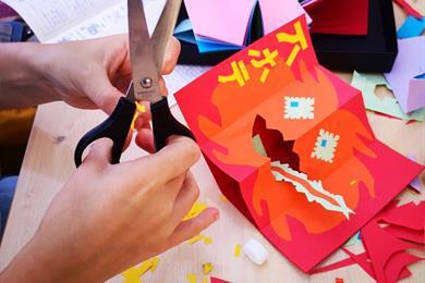 Atelier Halloween : fabriquez votre pop-up monstre tire-langue (à partir de 6 ans)