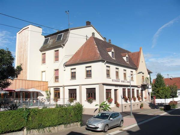 Hôtel-Restaurant - © Berna Yves