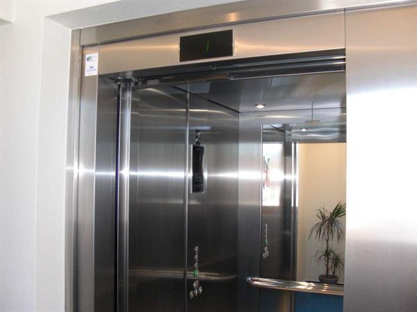 Ascenseur - Berna Yves
