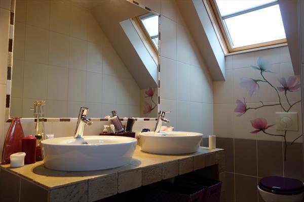 Salle de bain privative - © OT Grand Ried