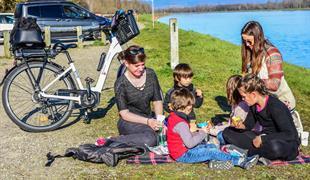 Mit dem Fahrrad, für einen Gourmet-Ausflug in die freie Natur