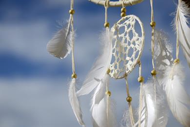 Manual Saturday: Creating a dream catcher