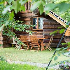 Plage © Camping Les Castors - © Cabane rondins © Camping Les Castors