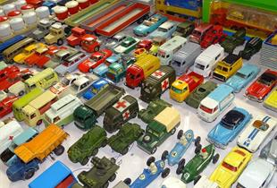 Exhibition of miniatures, models and old toys