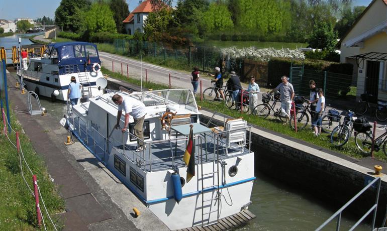 Des bords du Rhin au canal de la Marne au Rhin - EuroVelo 5 et 15