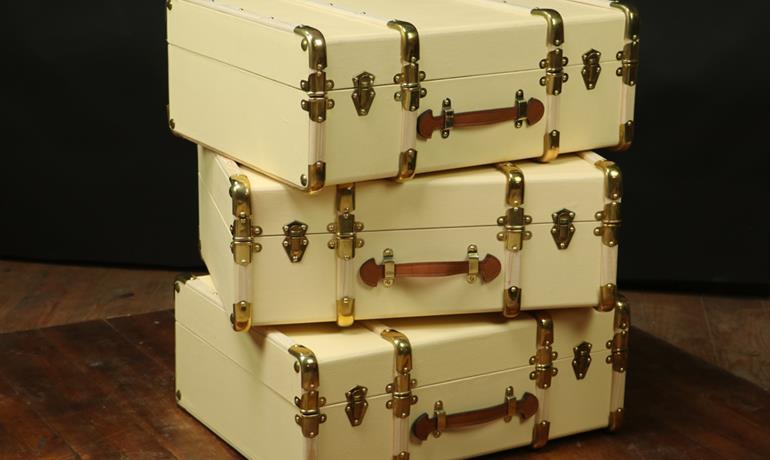La malle en coin - Rêve de bagages