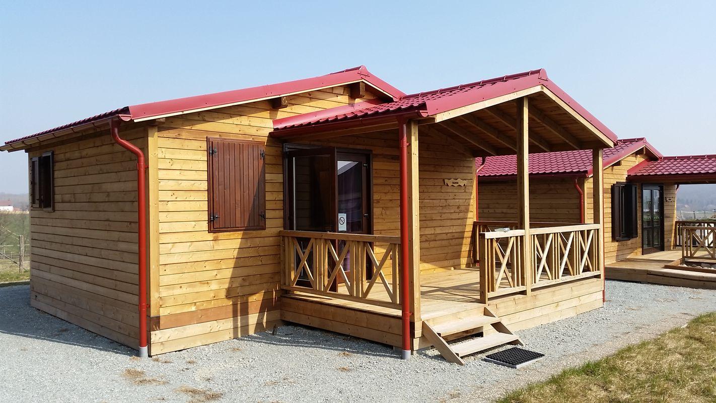 Cabane en bois chalet hll samis diefmatten for Destockage cabane en bois