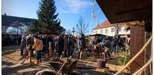 Christmas market and the '17th c. village'