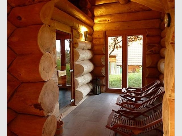 sauna finlandais saulxures. Black Bedroom Furniture Sets. Home Design Ideas