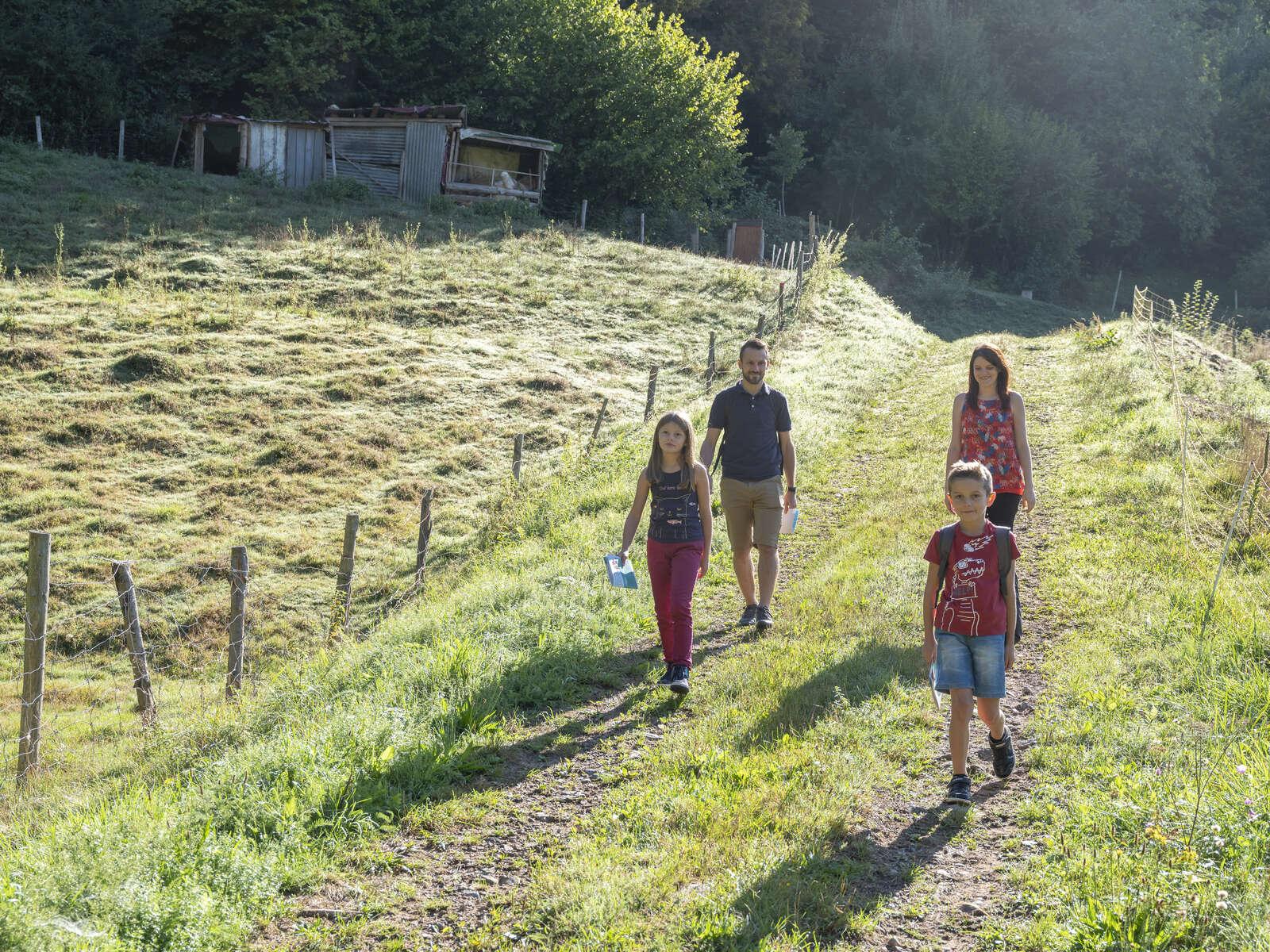 Sentiers Plaisir : Eco-mômes, ensemble, protégeons la nature ! - La Broque