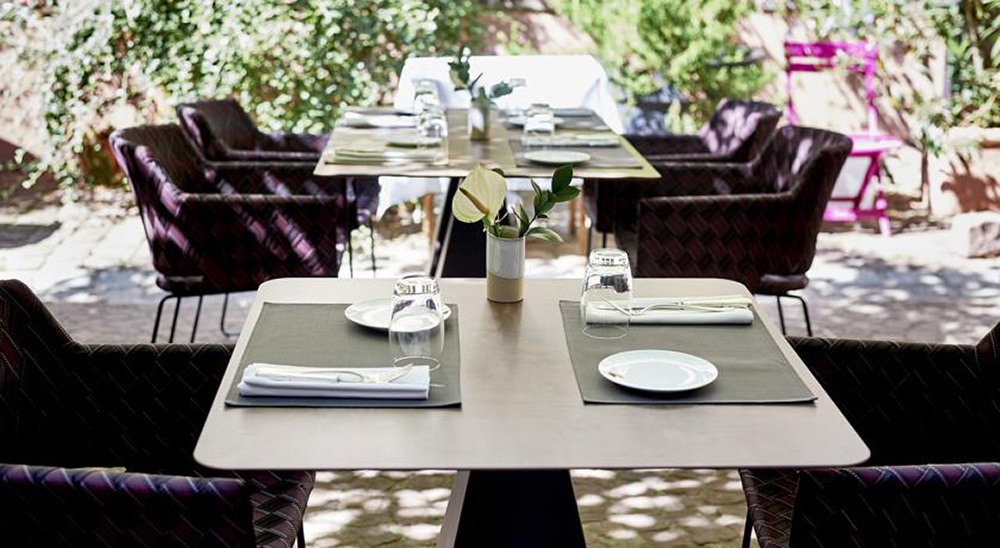 The Restaurant Girardin - La Maison des Têtes