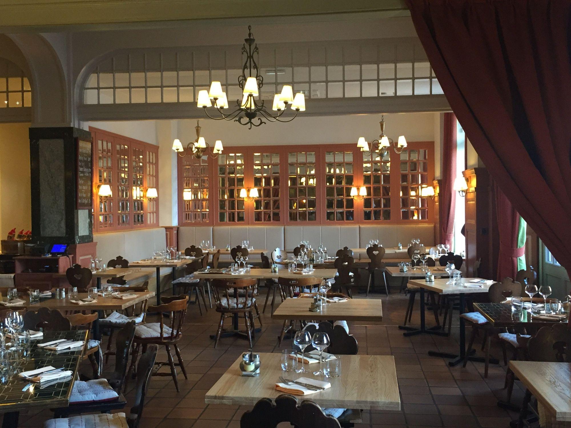 Brasserie l'Auberge (Grand Hotel Bristol) Colmar, Alsace http://www.grand-hotel-bristol.com/