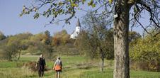 Pfad «Der Kirchberg: vom Kalkstein zum Obstgarten»