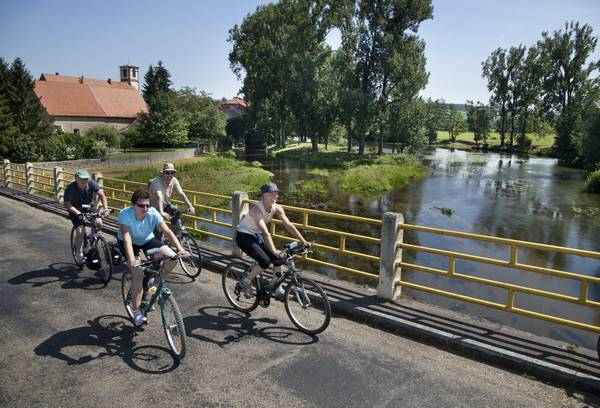 Cycling through Alsace Bossue - Along the banks of the Eichel