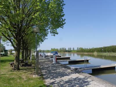 Sur le canal de la Sarre