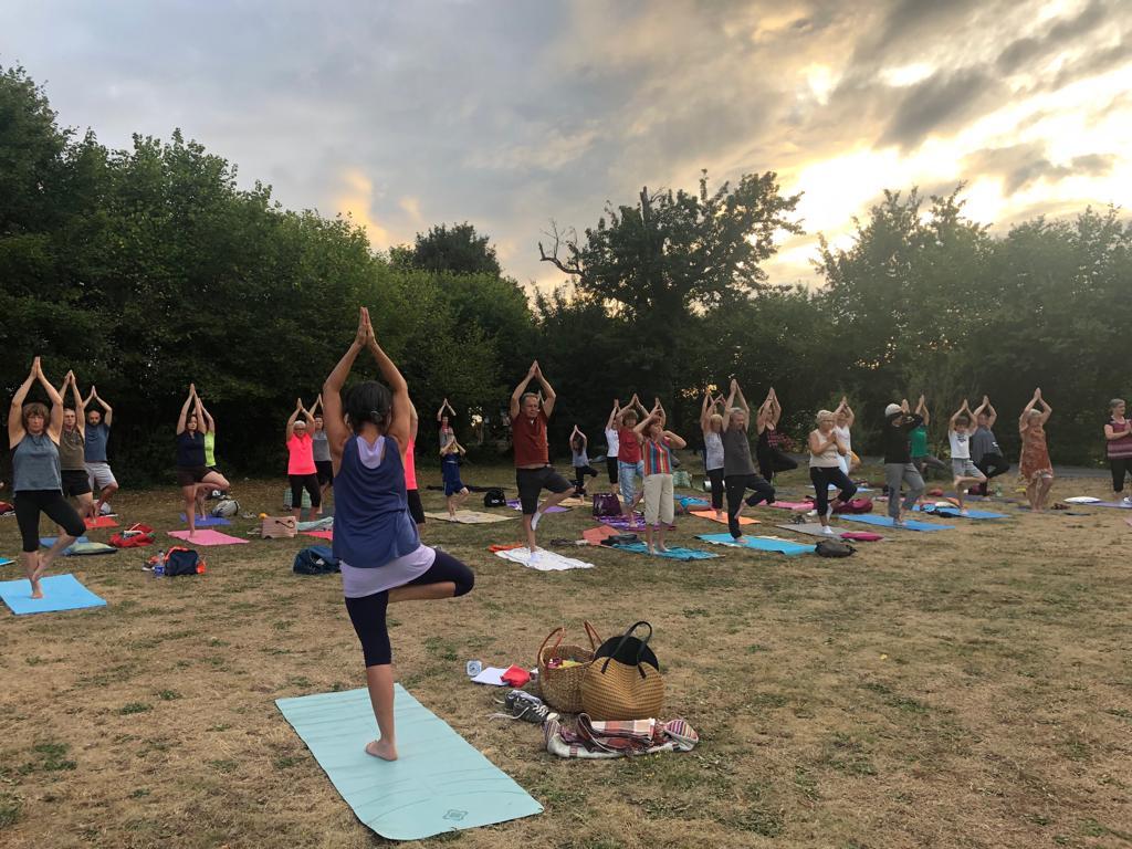 Yoga estival sur le site du Kirchberg