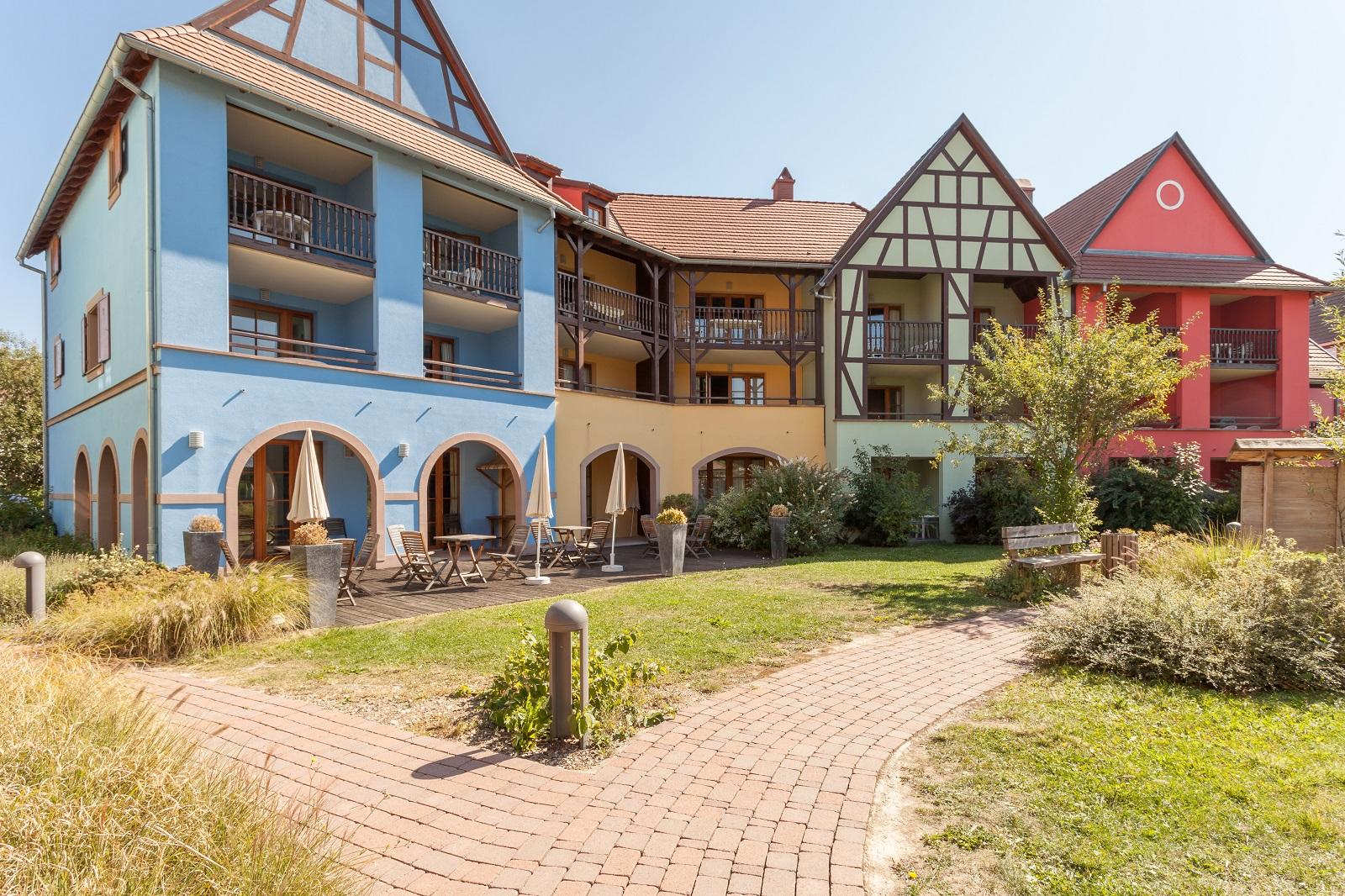 Le clos d 39 eguisheim r sidence pierre et vacances eguisheim - Residence les jardins d alsace strasbourg ...