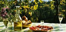 Apéro gourmand chez le vigneron
