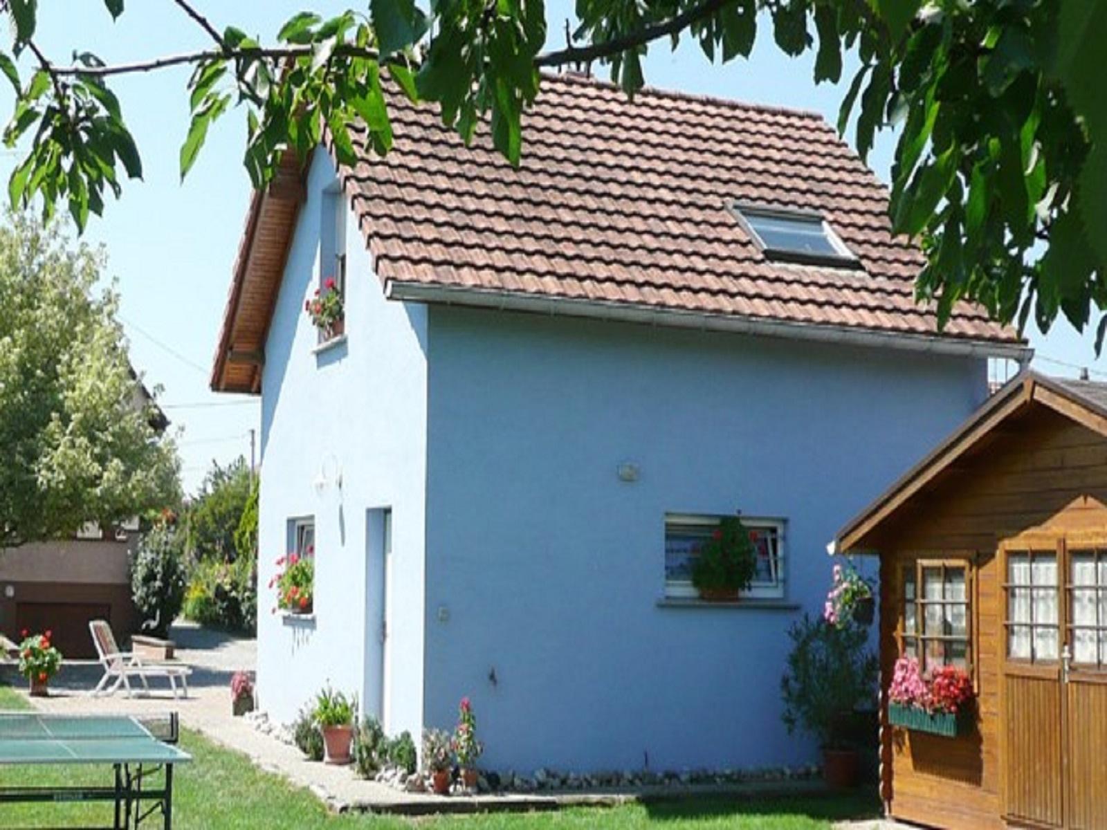 Meublé Christian Montalbetti, Oberhergheim, Haut-Rhin, Alsace Terrasse + parking privé dans la propriété