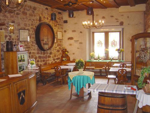Vins Jean-Bernard Humbrecht, Gueberschwihr, Pays de Rouffach, Vignobles et Châteaux, Haut-Rhin, Alsace