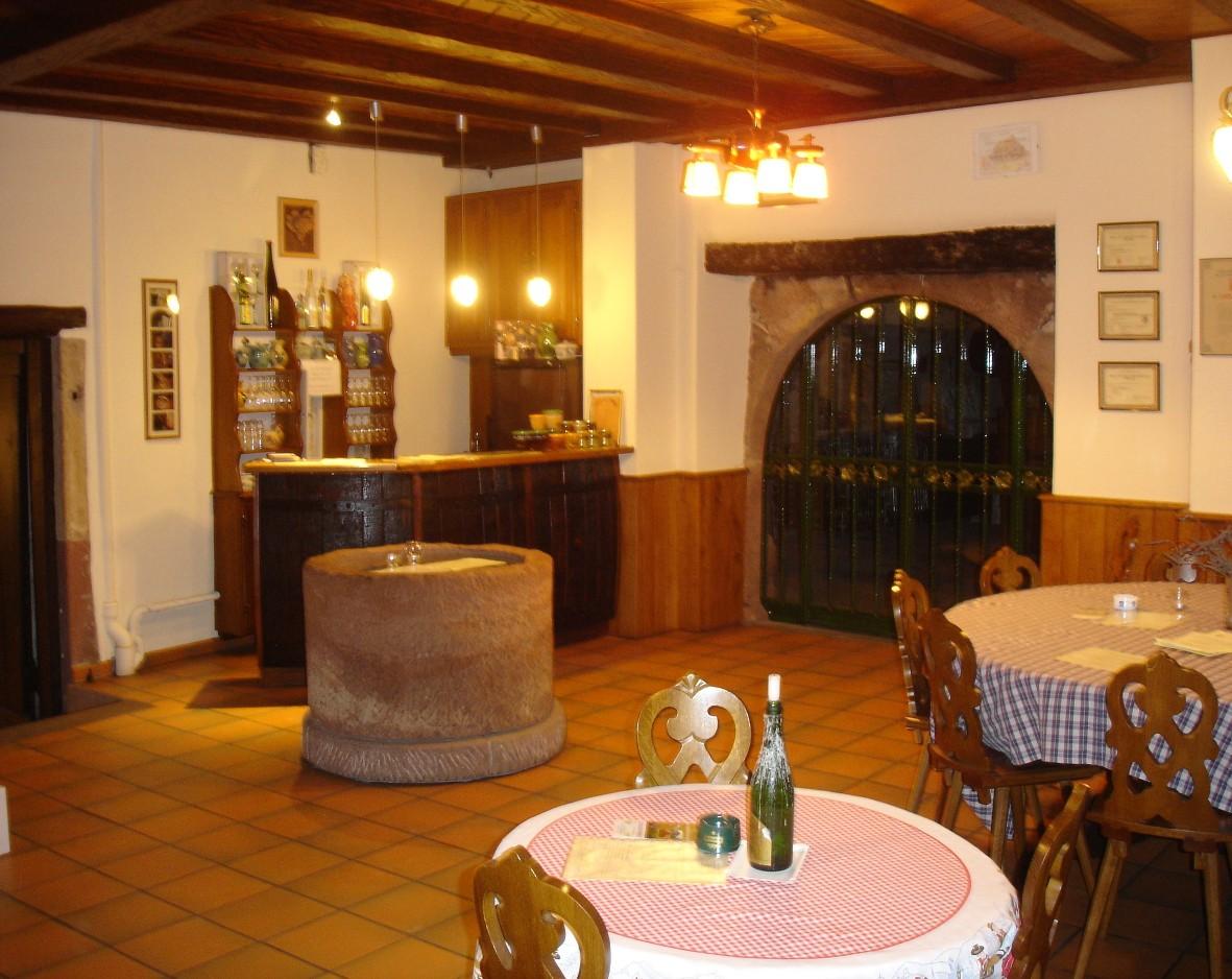 Vins SCEA Bernard Scherb et Fils, Gueberschwihr, Pays de Rouffach, Vignobles et Châteaux, Haut-Rhin, Alsace