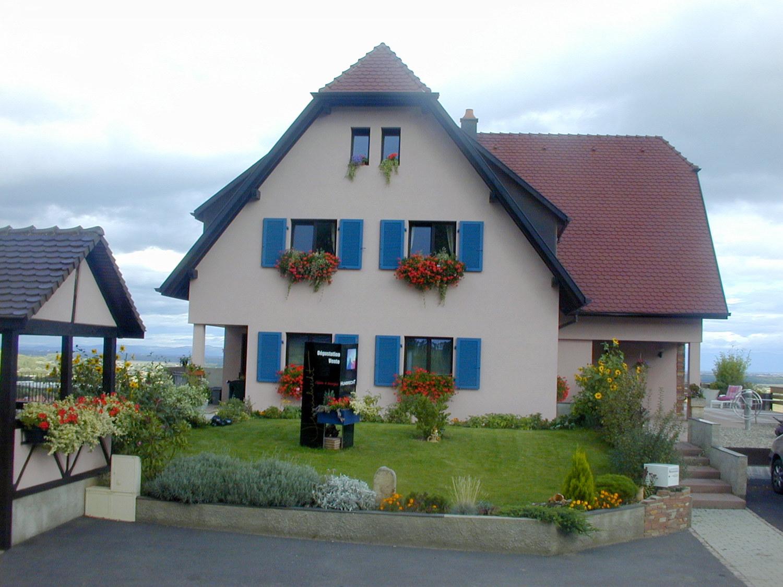 Vins EARL Claude et Georges Humbrecht, Gueberschwihr, Pays de Rouffach, Vignobles et Châteaux, Haut-Rhin, Alsace