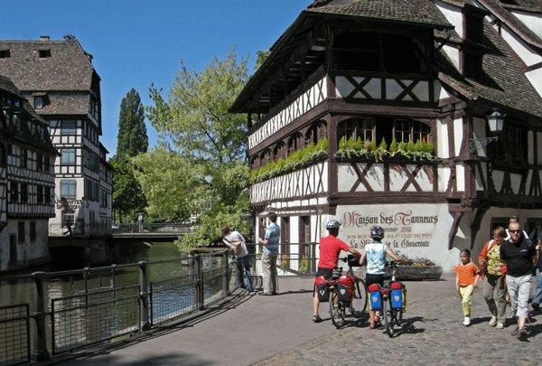 Tour de strasbourg eurovelo 5 et 15 strasbourg for Piscine de strasbourg