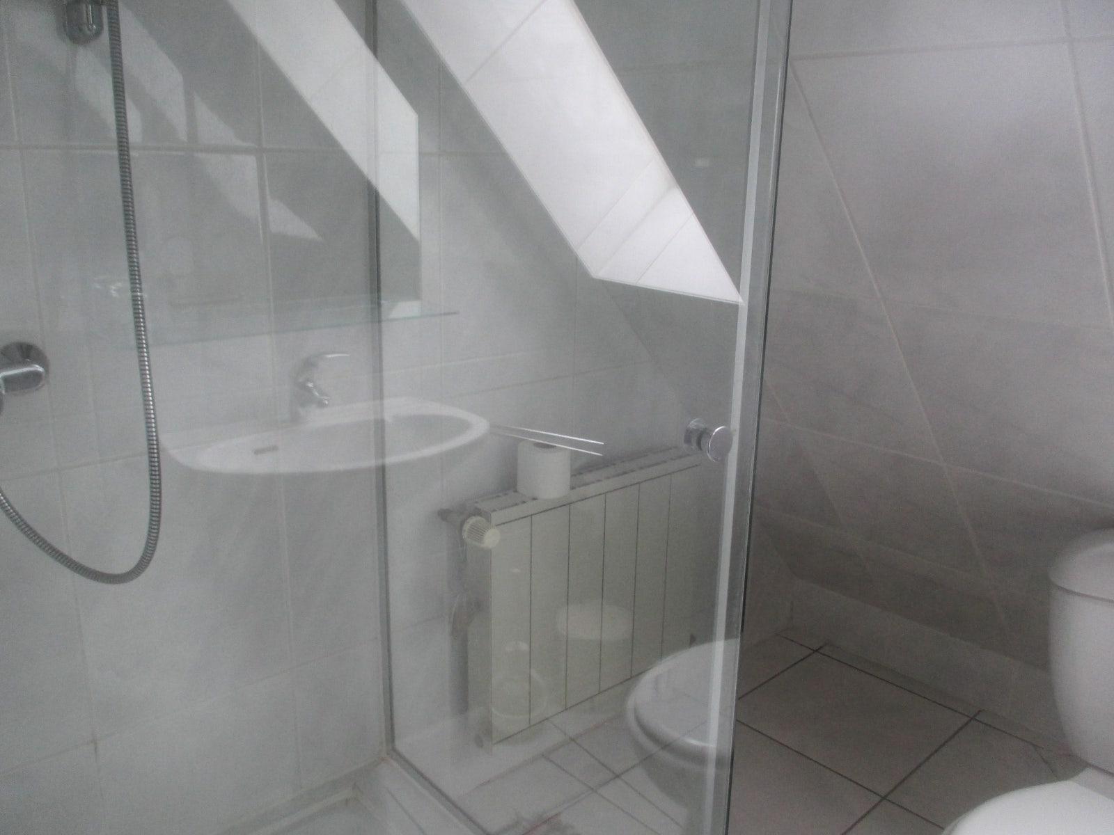 Gîte Scottisch - Au Bal Paysan - Berstett on black white bathroom designs, black tile bathroom designs, black commode bathroom designs, black kitchen designs, small toilet bathroom designs, home bathroom designs, black floor bathroom designs, black vanity bathroom designs, saniflo bathroom designs,