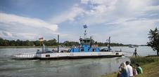 Pont et bacs de franchissement du Rhin