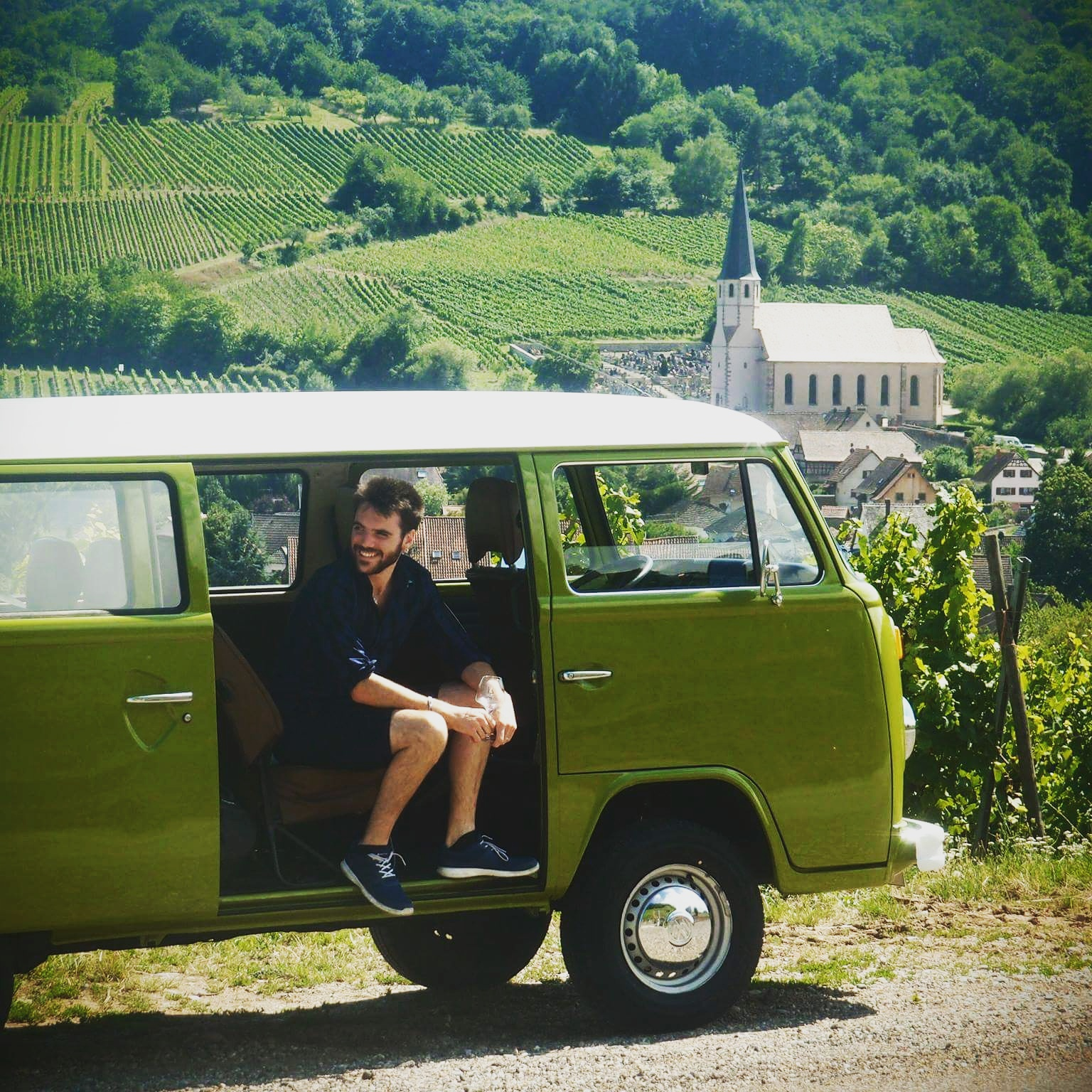Wine tour with a vintage VW bus: Day tour !