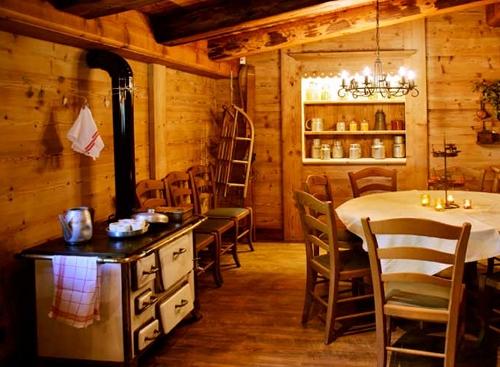 Chalet - H U00f4tel - Restaurant De Montagne Le Collet