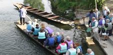 Fabricant de barques à fond plat - le calfat