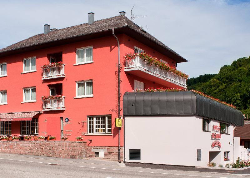 "H u00f4tel restaurant Au Bois le Sire Room""grande terrasse"" Orbey # Hotel Au Bois Le Sire"