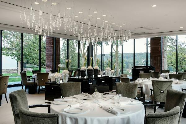 restaurant villa ren lalique wingen sur moder. Black Bedroom Furniture Sets. Home Design Ideas