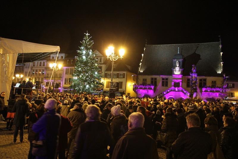 Weihnachtslieder unter dem Weihnachtsbaum - Molsheim