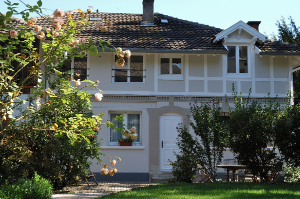 La maison du cocher mme pautrat mulhouse for 1313 la maison du cauchemar