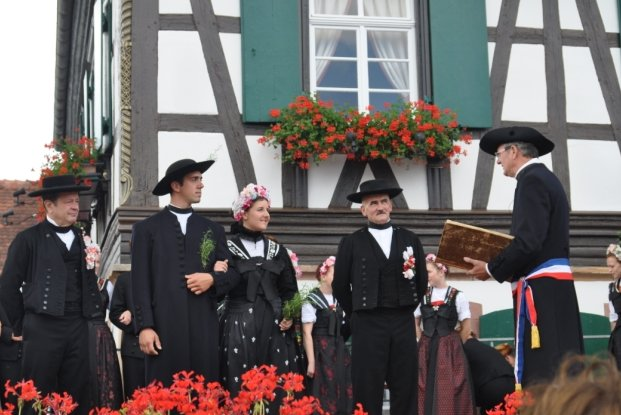 Streisselhochzeit - Mariage traditionnel au bouquet